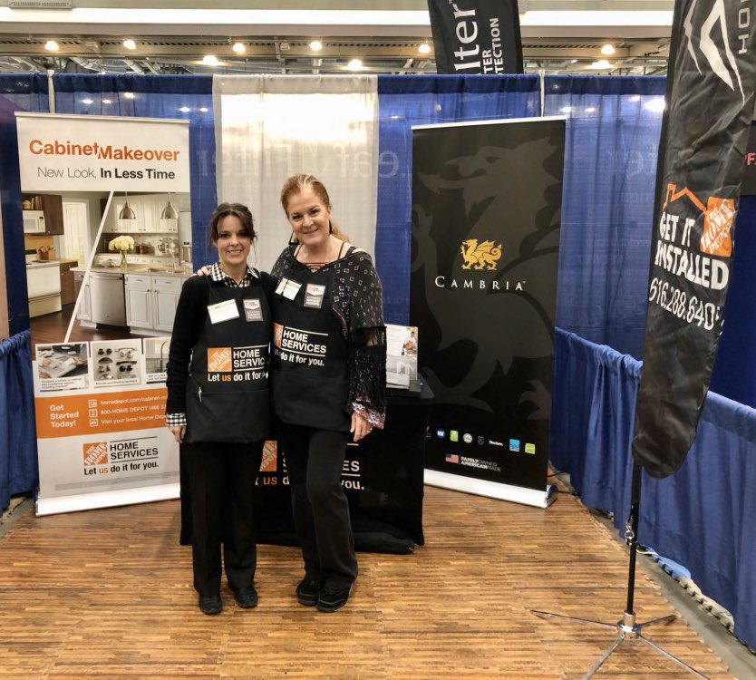 These 2 QUEENS are straight up killin it at the Home Show in Grand Rapids today!! 48 leads for the #CabinetMakeover and still goin #MakeoverTakeOver #MakeoverMagic #SetDaLead @VincealbaThd @bobsaniga @THDScottGpic.twitter.com/UO2HYMd4TS