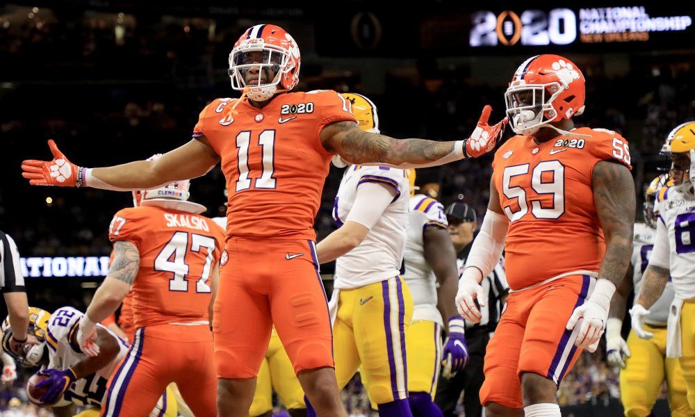 BREAKING: Clemson LB/DB/DE Isaiah Simmons has officially declared for the NFL Draft.  #ALLIN <br>http://pic.twitter.com/mrnx5LWuf7