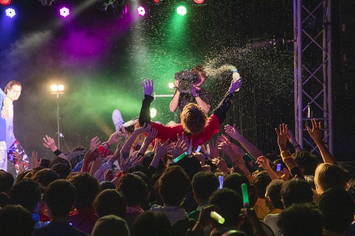 #超特急 熱気あふれる男性限定ライブは今年もクレイジーな盛り上がりに(※ほか画像あり)1月18日、東京・新宿BLAZEで男性限定ライブ『BULLET TRAIN BOYS GIG Vol.06』を開催