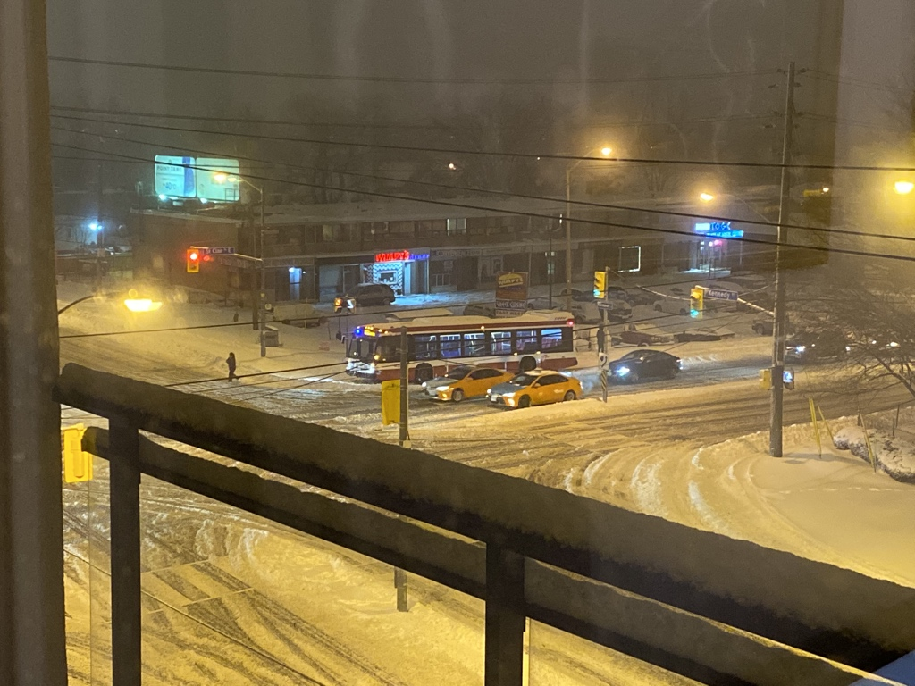 test Twitter Media - Poor TTC bus. It's been broken down since around 3pm this afternoon. So very sad. https://t.co/xWp0zzfla7