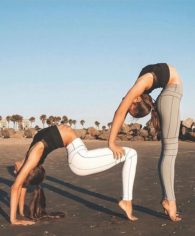 #yoga #yogapantsfemme #yogalife #girlsinyogapants #yogaflocke #yogalove