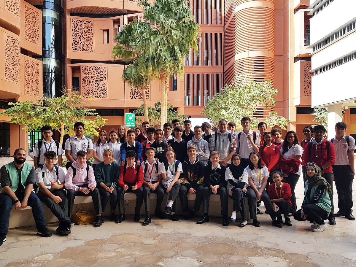 Last week, 44 of our Geography students across Year 11 and Year 12 visited Masdar City in Abu Dhabi, one of the world's most sustainable urban communities, to critically assess the city's sustainability as part of their fieldwork.  #ADSW #MasdarCity #TheEnglishCollegeSeniorSchoolpic.twitter.com/hJ67QzSehy