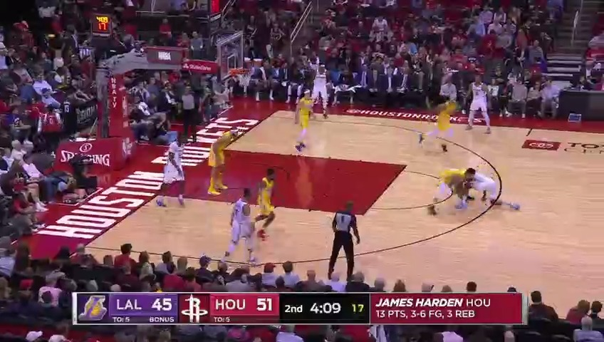 Danny Green ripped it from Harden 😳