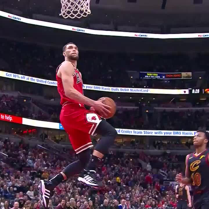 Welcome to the Zach LaVine show! 🤯  #BullsNation