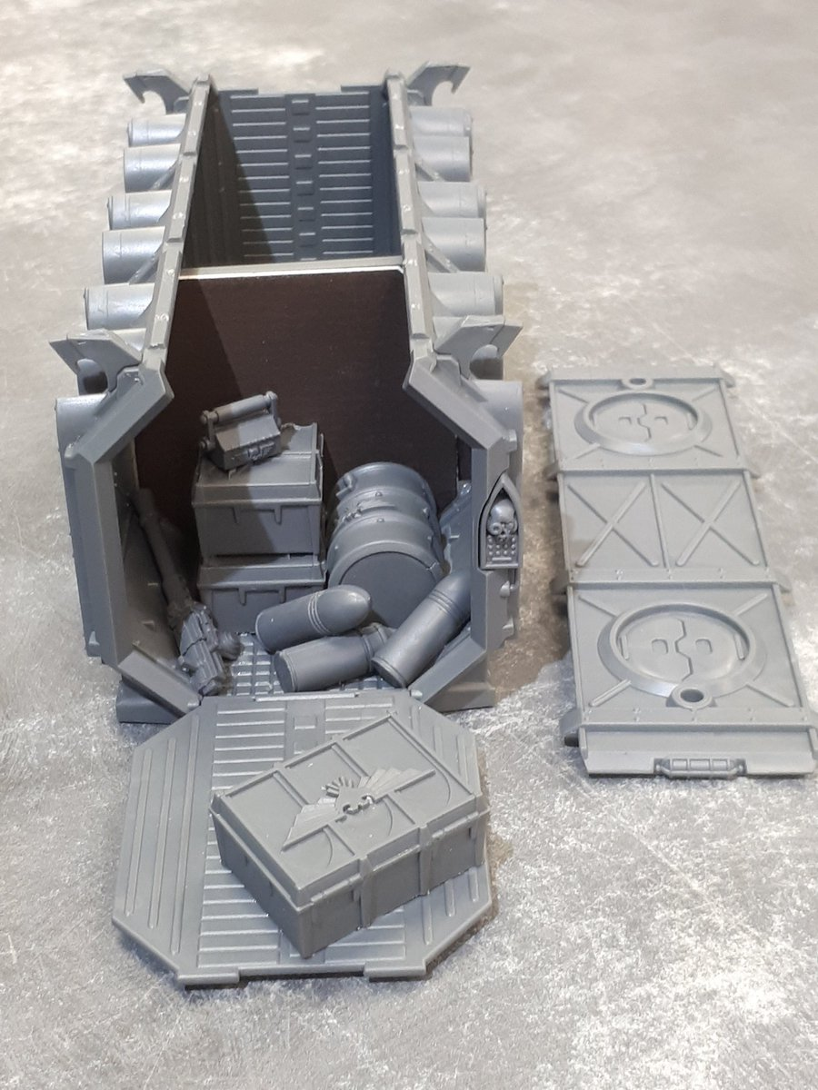 I was working on some #warhammer40k #tabletopterrain last week for our local #GamesWorkshop. I wanted to make one one open crate that was being unloaded/looted. We added an inner wall to reduce the amount of painting required; once the roof gets glued in it'll look nice and full. pic.twitter.com/MOmjXXMbsH