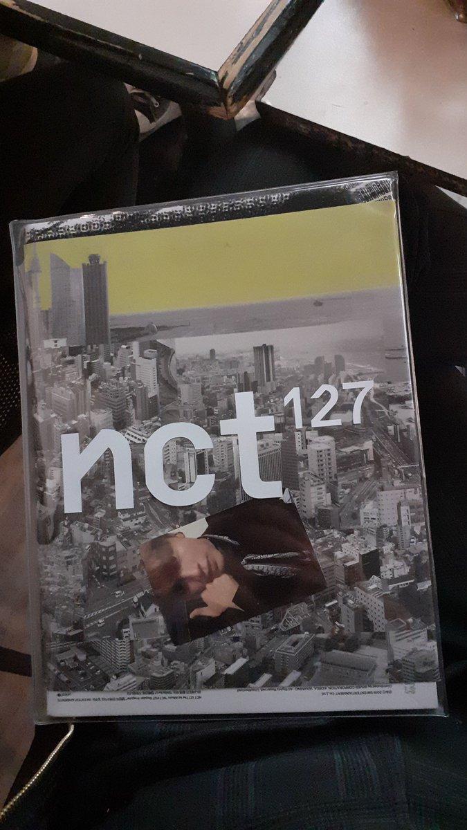GENTE MIREN LA HERMOSURA QUE ME GANE DIOS NO PUEDO CREERLO #NCT #127 #RegularIrregular #The1stAlbum https://t.co/7VrvgEx4Jn