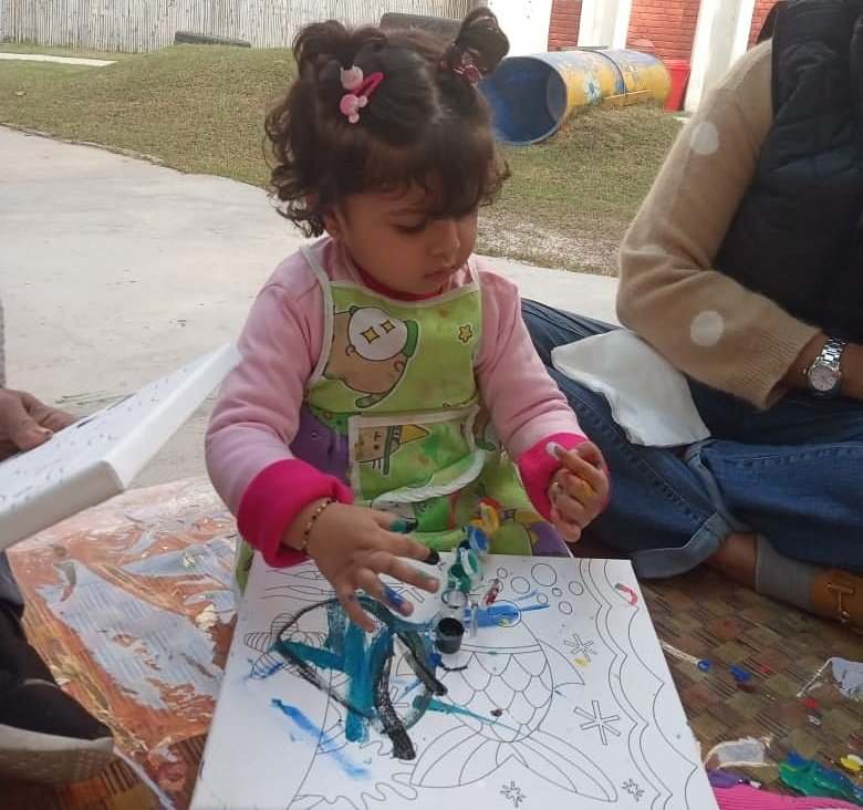 """Play is the shortest route between children and their creative calling."" Guardian Toddlers Programme has play which gives them great opportunities to discover, develop and practice new skills at their own pace. For inquries call 98734 59656  #preschools #dreamingchild pic.twitter.com/5spOyqR37c – at Qutub Institutional Area New Delhi"