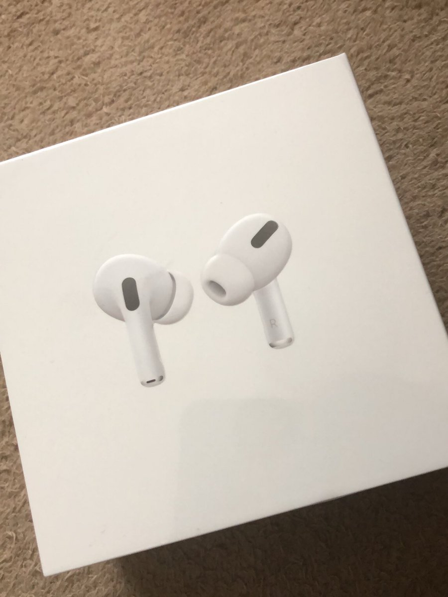 AirPods Proきたー! pic.twitter.com/jlVswy7S94