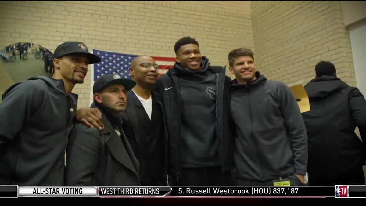 """""""When I come in here, I'm hoping for change.""""  @realtuffjuice and the @Bucks visited Racine Correctional Institution to play a game of hoops and deliver an encouraging message."""