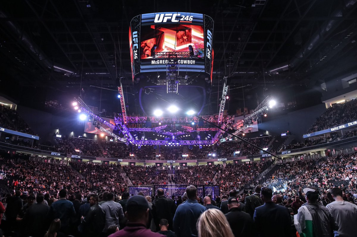T Mobile Arena On Twitter There S No Energy Like Fight Night