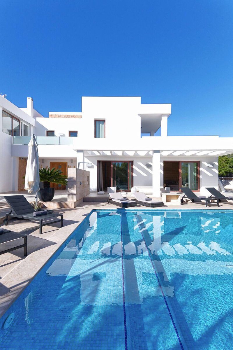 10 days left to take advantage of our January offer - 10% off selected villas!!   Villas sleeping up to 12 people from just €2800 per week! info@unamasibiza.com#ibiza #ibiza2020 #ibizanightclub #ibizabeach #villa #ibizavilla #henparty #stag #summer2020pic.twitter.com/8xkvsVKEmd