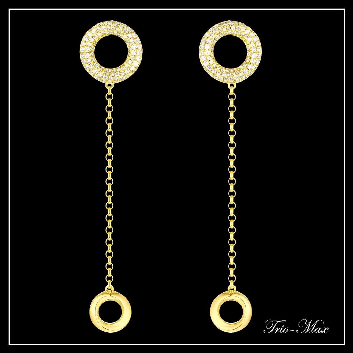 The Circle Trio-Max Earrings in 18K Yellow Gold for lovely date night! #newyork #happynewyear2020  #giftguide #giftsforher #vedantti  #nyc #christmas #winterfashion #jewelry #fashionaddict #fashionista #whitegold #diamonds #fallfashion #falltrends #love #lookbook #jewelrygram