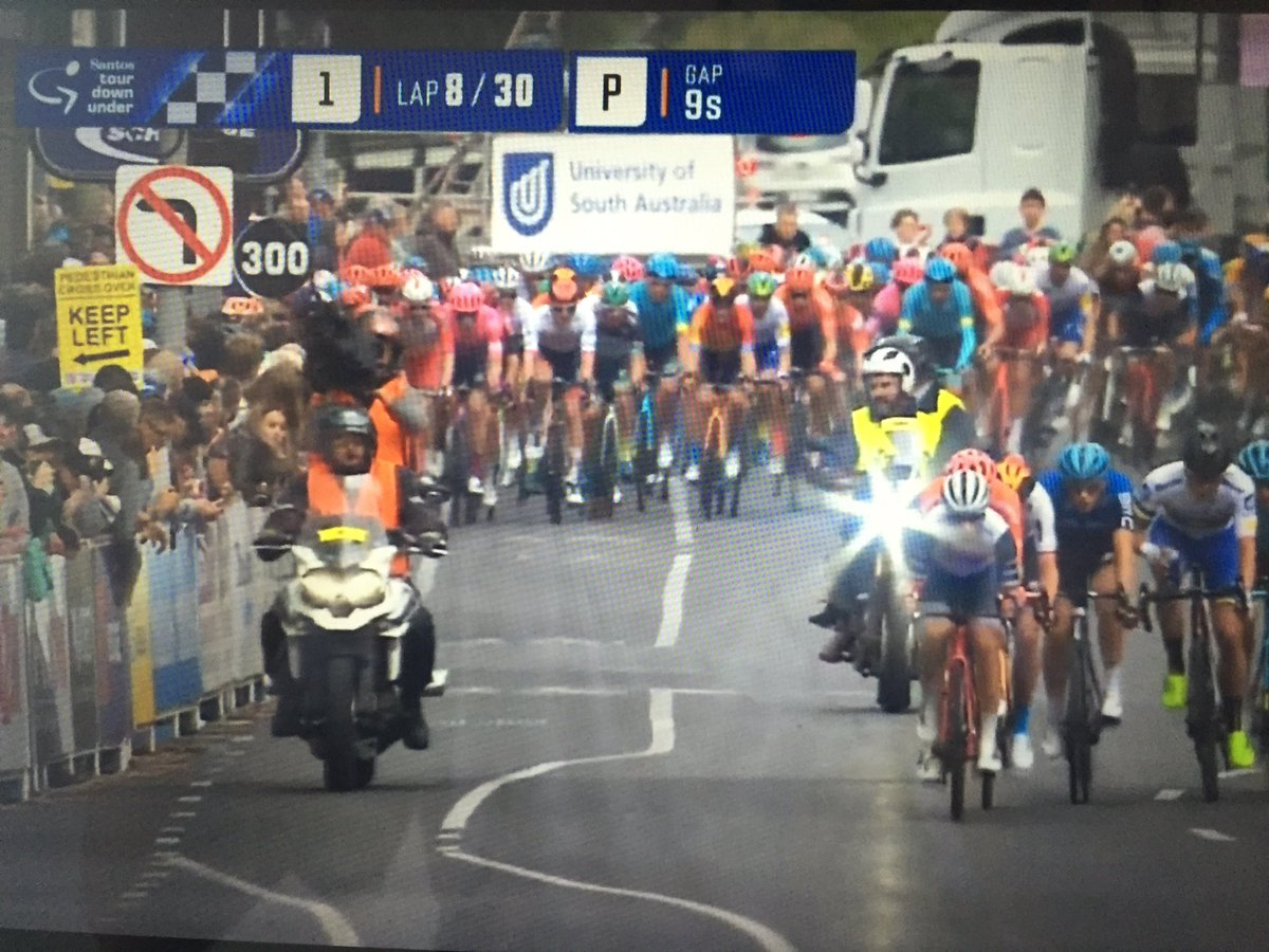 Can you believe? Cycling is back!!!!! #SchwalbeClassic <br>http://pic.twitter.com/T9JZBpY2I4