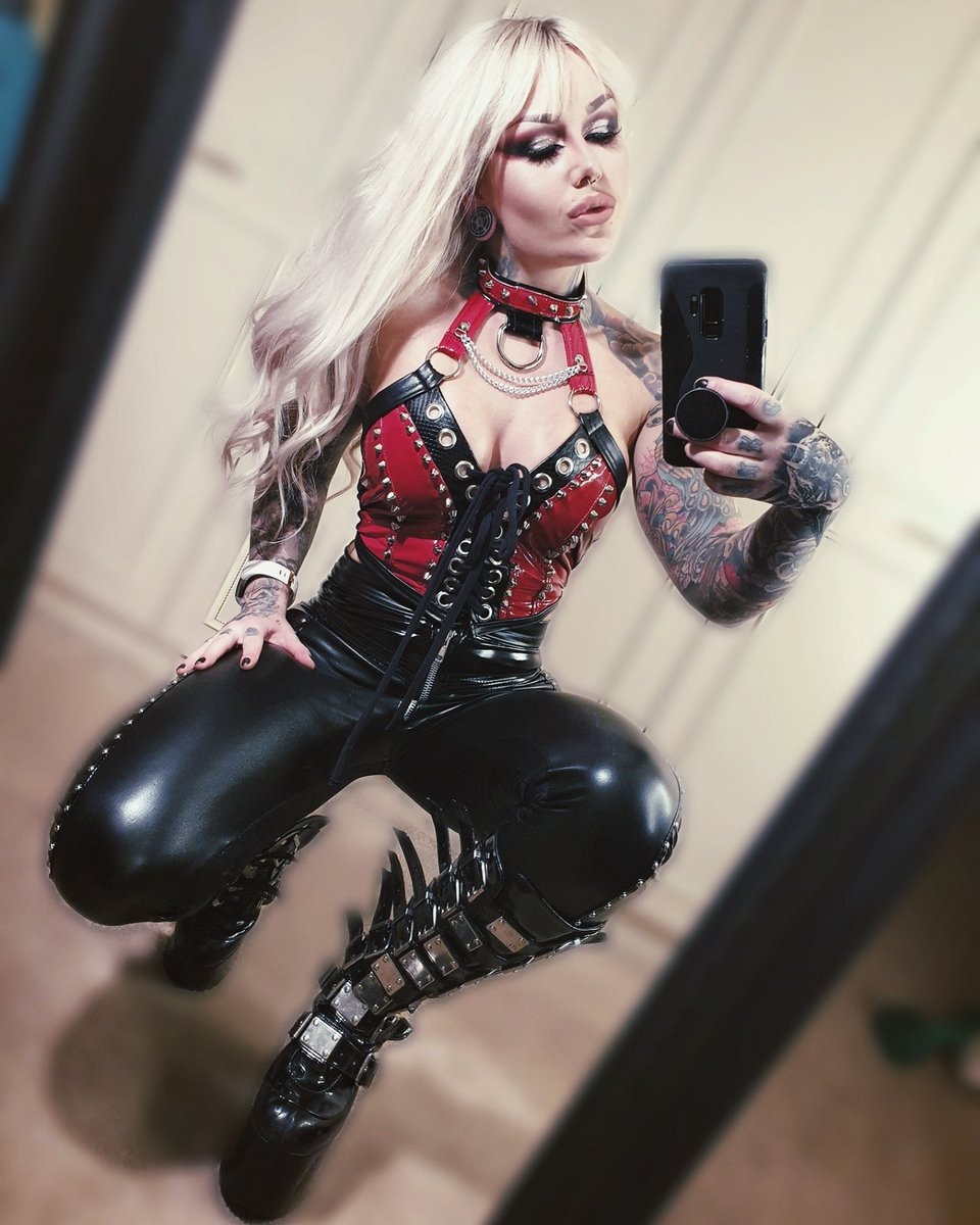 Pvc dreamin'  Testing out new 4 way stretch pvc, safe to say it's UNREAL. Paws up who wants some of this!? #pvc #selfie #blonde #altstyle #metalbarbie #metalbabe #fashion #metalfashion #instametal #customclothing #gothgirls #choker #demonia #girlswithtattoospic.twitter.com/70mgDgIN1v