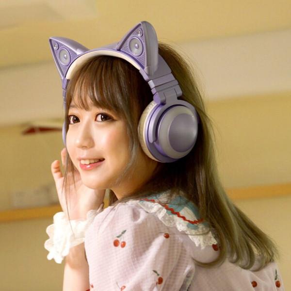 【ポップ】ネコ耳ヘッドフォン最新作「YOWU4」予約受付開始!カラーバリエーションはピンクとパープルの2種類。耳のスピーカーをオンにして友達とシェアすることもできる。