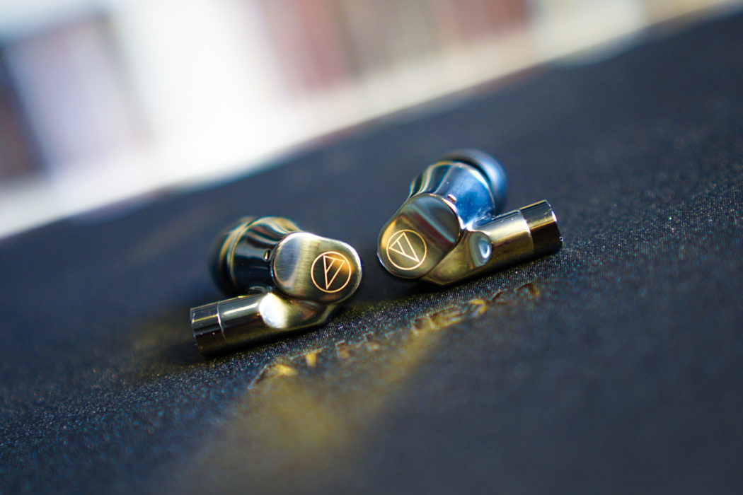 After being super-impressed by @USAudioTechnica  ATH-ADX500 flagship open-back headphones, we're excited to be giving a first look at their new hybrid flagship IEM: the ATH-IEX1. @AudioTechnicaJP   https://www.headfonia.com/audio-technica-athiex1-firstlook/…  #headfonia #headfi #audio #review #audiotechnica #athiex1pic.twitter.com/L4NGffxnqy