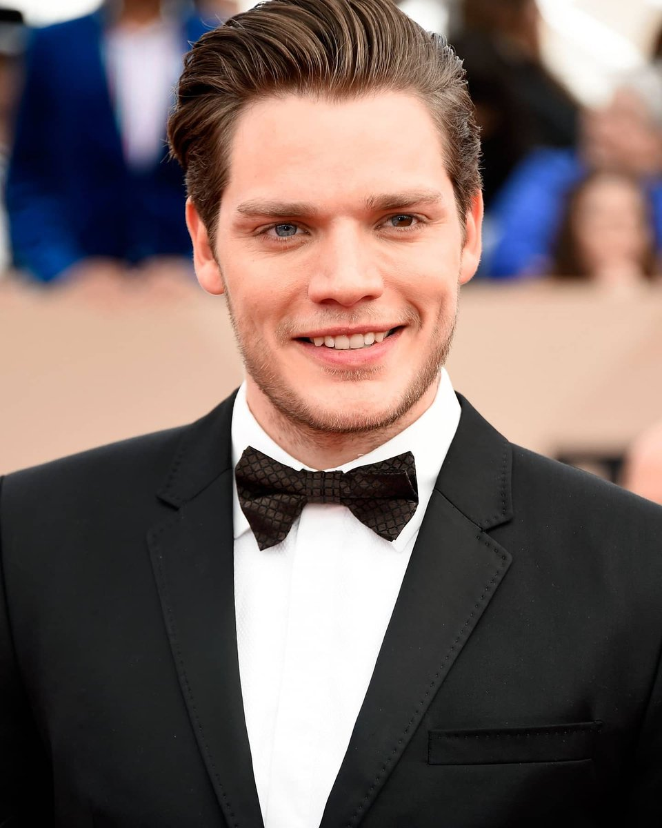 | Dominic at the 22nd Annual Screen Actors Guild Awards (2016)<br>http://pic.twitter.com/SJc81X0Ofv