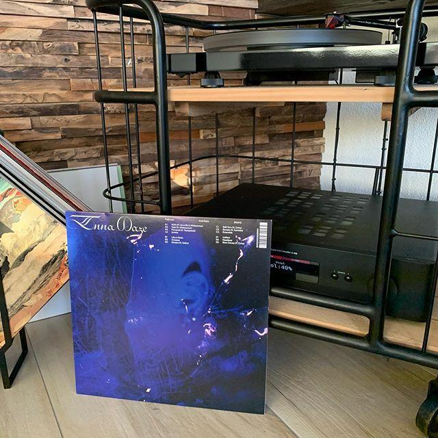 Felix Lee - Inna Daze. Fascinerend album vol hele toffe beats en songs. #nowplaying #nowspinning #myvinylcollection #myrecordcollection #myrecordbox #myvinylroom #instavinyl #vinyljunkie #vinylcollector #vinylporn #vinyladdict #recordcollector #recordbox… https://ift.tt/38n16O4pic.twitter.com/SusSQzVGyG