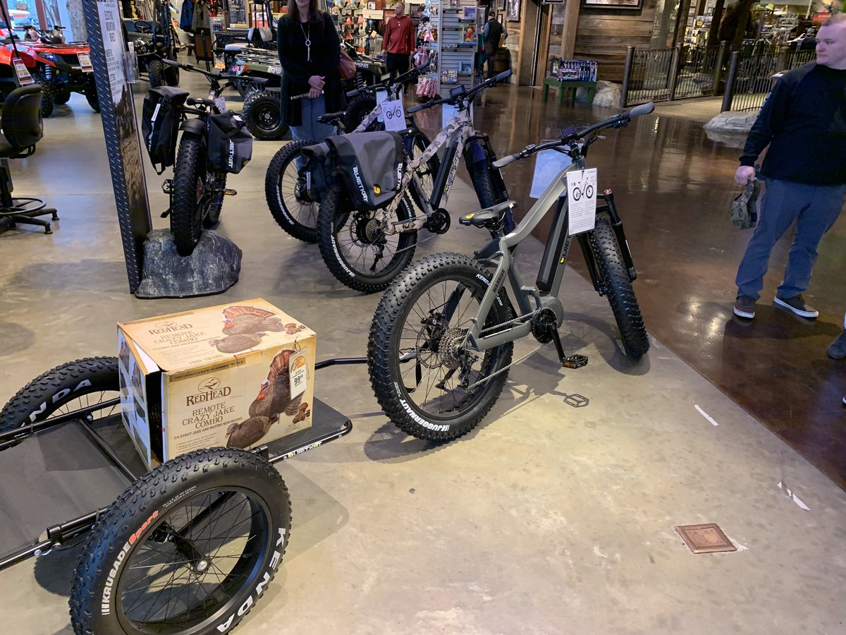 Interesting find yesterday:  Rugged, electrically boosted - and very quiet - bike & trailer, could they be deployed from Helos to scout an area or deploy UAV or ATGMs? pic.twitter.com/QPeKdHqmBx