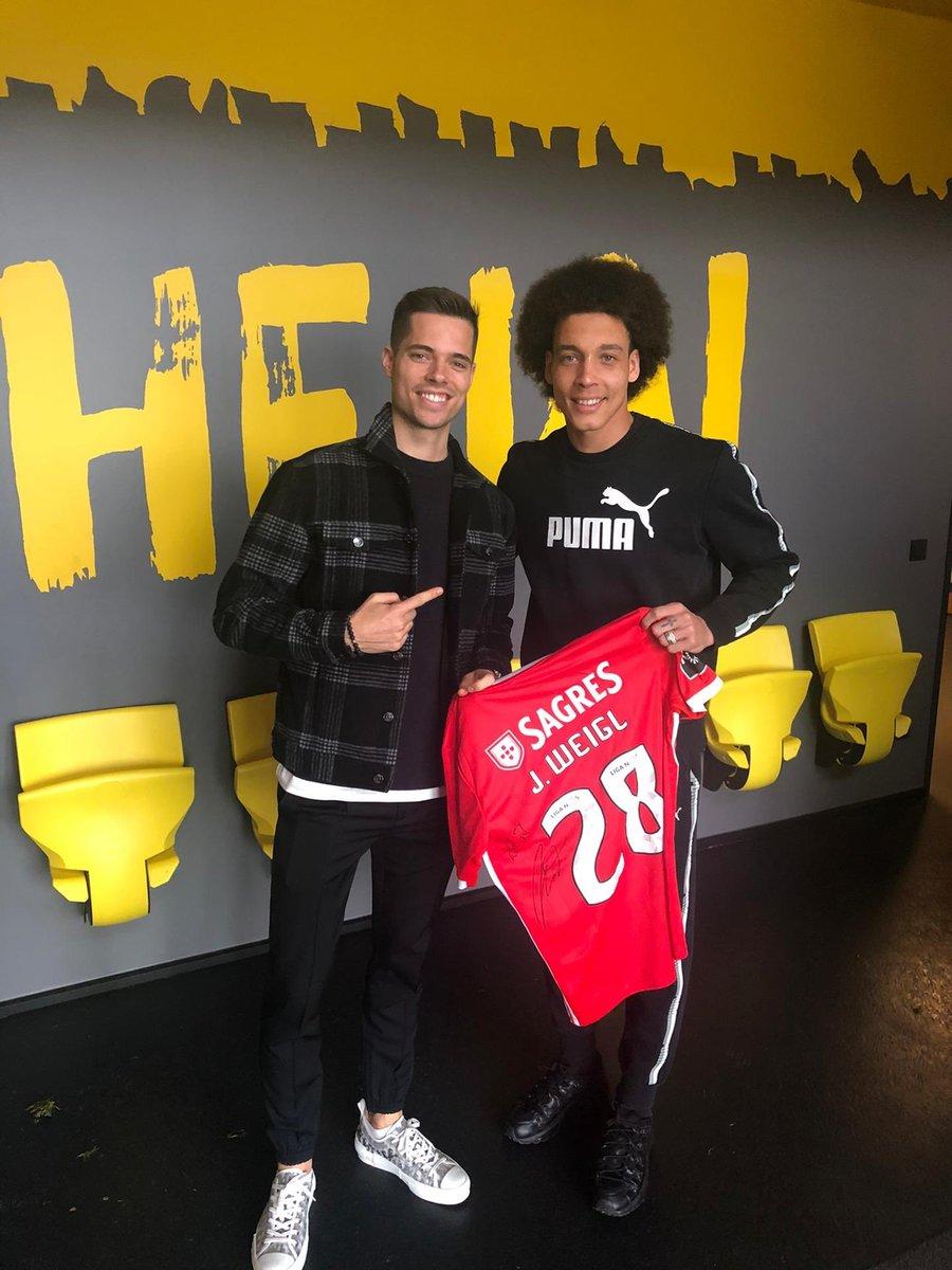 A friend for life   Boa sorte Benfica