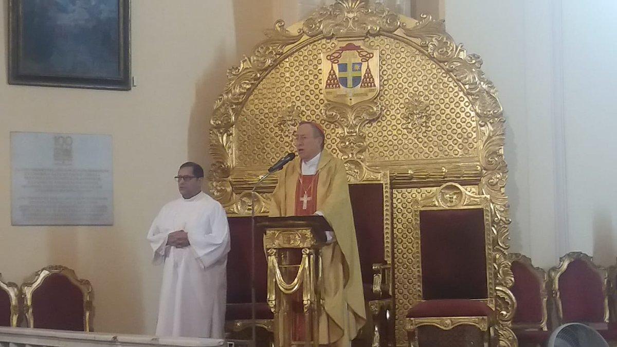 """#Homilia El @CardenalRodrgu1 en su mensaje de este domingo ha dicho que""""nuestro país sólo se puede salvar siguiendo el camino de Jesús ya que debemos de terminar con la injusticia, la Mentira el egoísmo y la corrupción cuyo pecado nos hace tanto daño"""" dijo el prelado."""