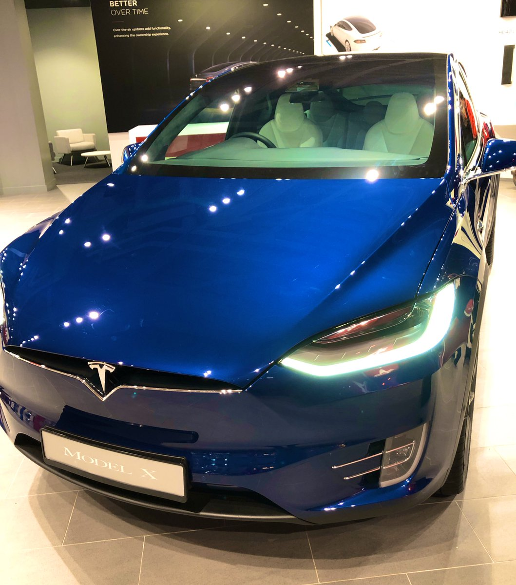 Actually selling my house to buy a @Tesla and living in it!  I'm pretty sure this is a life choice @DrLupo would agree with #fullsend pic.twitter.com/Nx80U6Qwp8