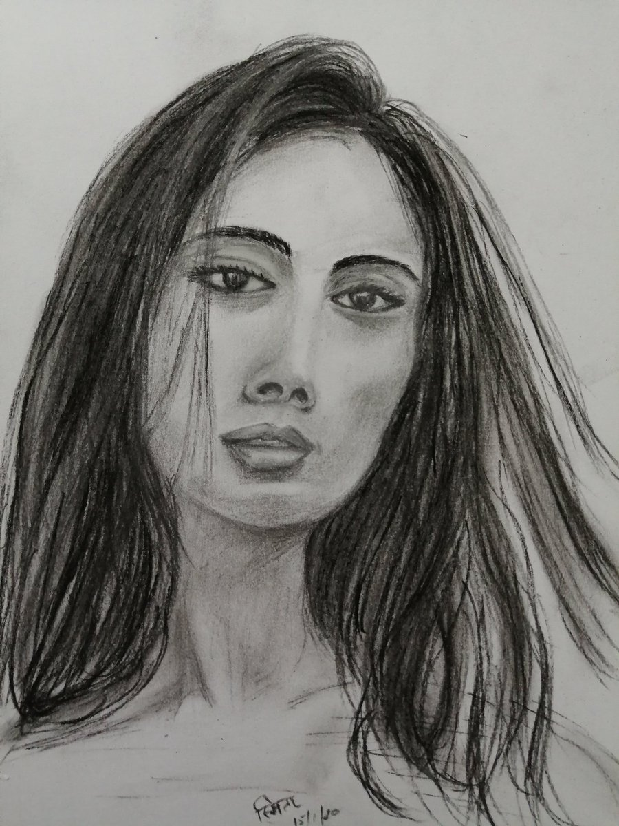 Good evening #TwitterFriends Have a great week ahead. #Facestudy in #charcoal...a #passion for me. Every #face has a story... it's for us to find!#sketch #sketchbook #draw #drawing #portrait #portraiture #charcoalsketch #girl #sketches #sundayvibes #artpic.twitter.com/EmwCZO9qeH