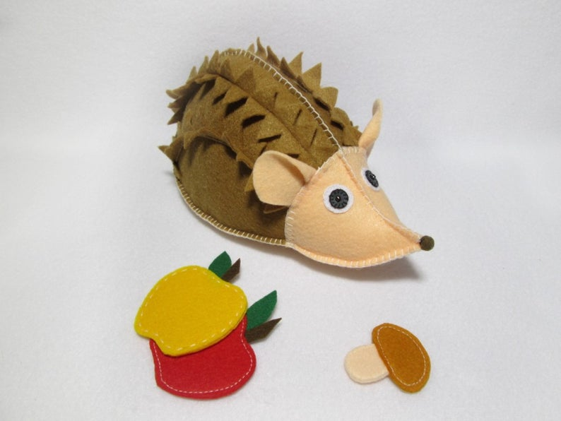 Felt pattern of a hedgehog for you to create an educational toy for your little baby. Here I would like to share with you how to use felt creating educational toys for early developing infants, children, little boys and girls. You can make a reality of any your creative imagination with an unique material like felt. This is one of my favorite textile. I find creating with it is easy and most importantly enjoyable.