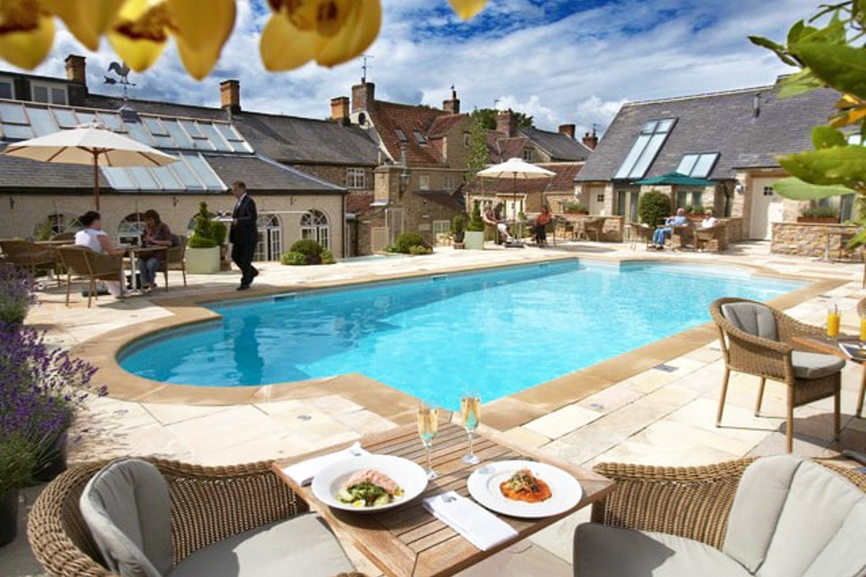 Days like today call for #SpaSundays #NorthYorkshire @fevershamarms Spa Day w/Lunch   Prosecco & Treatment, now £62.10 for a limited time with code JAN10 at checkout http://bit.ly/2X3g4mI #sundayfunday #wintersun #yorkshire @VisitHelmsley #visithelmsleypic.twitter.com/rSvTbqOze5