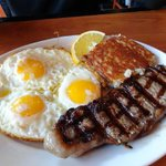 #Steak and #eggs Happy #SundayMotivation with an amazing #breakfast #brunch