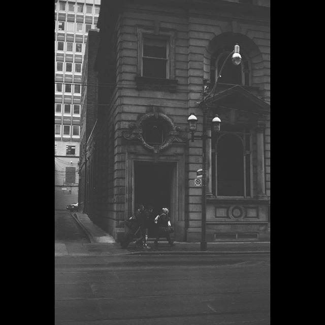 Downtown  #electro35 #electro35gtn #yashica #ilfordorthoplus #shootfilmstaybroke #filmcommunity #filmisnotdead #analog #manualfocus #rangefinder #analogphotography  #35mm #blackandwhite #monochrome #torontostreets #torontoliving #toronto_insta #toronto https://ift.tt/38mIfmepic.twitter.com/mxe31ZwdQk