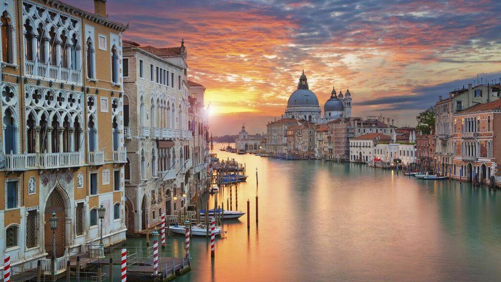 https://ift.tt/30xnhhN Fly NYC to Venice, Italy from $300 Round Trip—Wide Availability #savemoney #traveldeals #cheapflights #wanderlust #traveling #vacation #deals #airfare #flights #travel #ttot #money