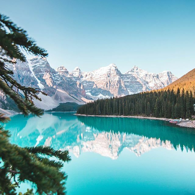 Oh Canada! 🇨🇦 It doesn't get much more epically beautiful than Moraine Lake! . But how about @morainelakelodge , worthy of being on our World's 50 Most Idyllic Hotels list?  Let us know your thoughts 👇🏻 . 📷 @jr_jurassic  #banff #alberta #travel #expl… https://t.co/rFurcPPF6H https://t.co/GJg52apF7A