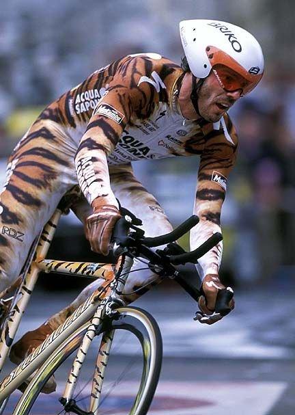 Mario Cipollini winner Giro D Italia points jersey 1992; 97 & 2002 - World road race championship 2002 - National road championship 1996 - Gent Wevelgem 1992; 93 & 2002 - Milan San Remo 2002. #Italianweek<br>http://pic.twitter.com/gaUi9AGEGb