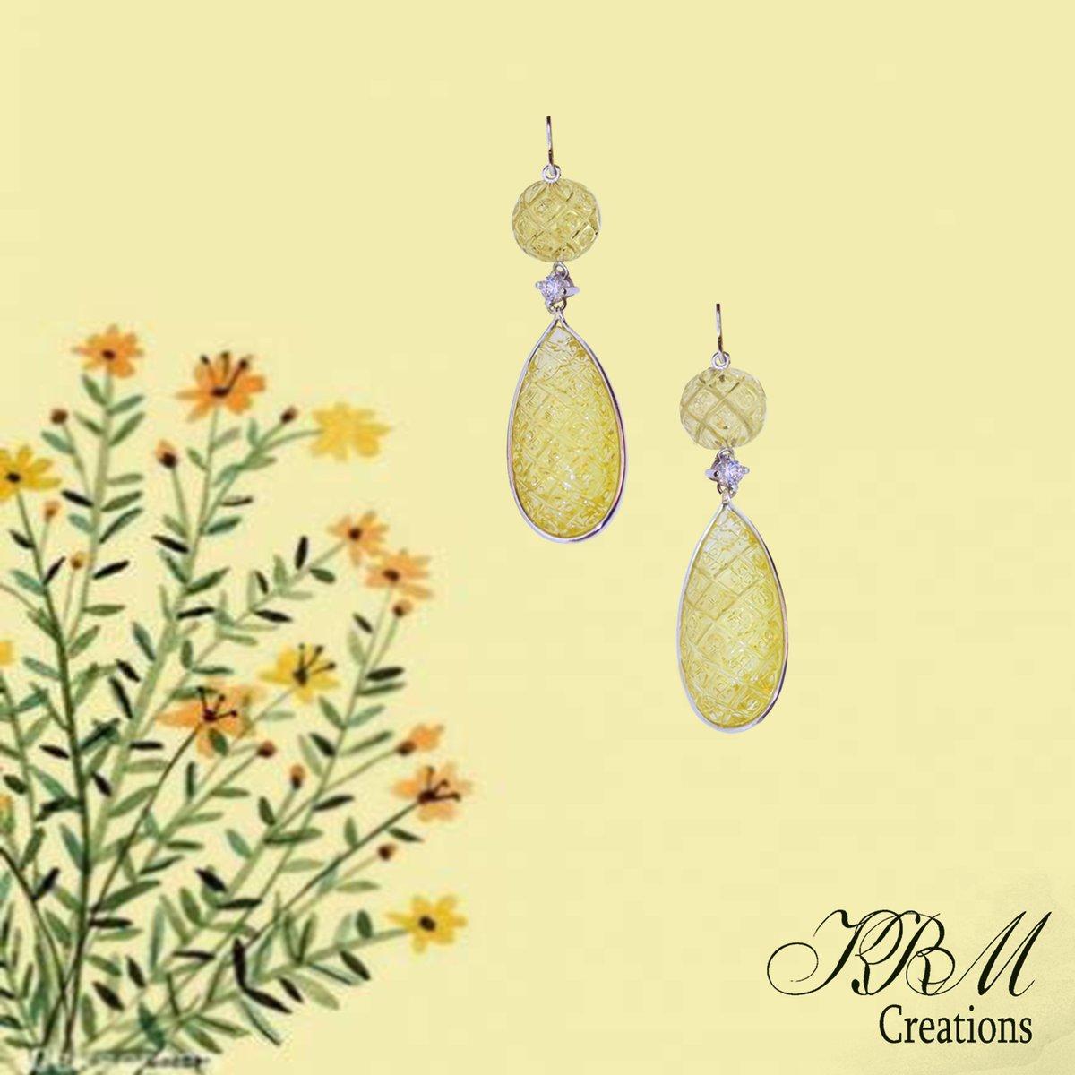 #lemonquartz #whitetopaz #sterlinsilver #danglers #earrings #silverearpiece #artpiece