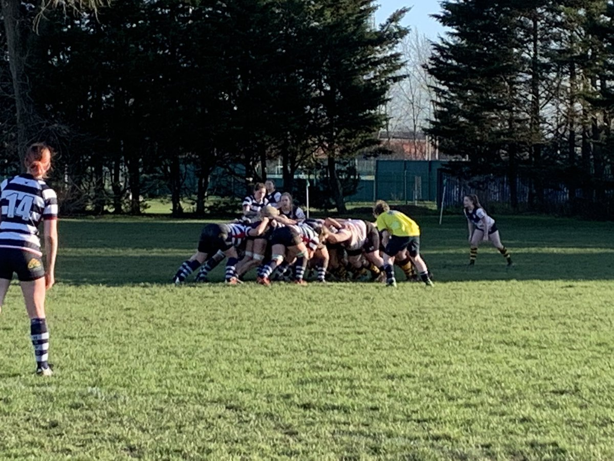 Scrum for Hav in the Portsmouth half, lovely 8-9-12 move results in another Try for Loogle! GO SIRENS!