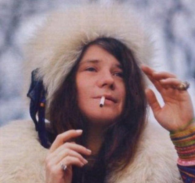 Hoy cumpliría años #JanisJoplin, una de las figuras del rock más importantes.   En sus letras estaba presente el cannabis. Le dedicó una canción: Mary Jane  En la #THC101 podés encontrar más info sobre su relación con la marihuana.  ¿Cuál es tu canción favorita?pic.twitter.com/lczfWIGFAE