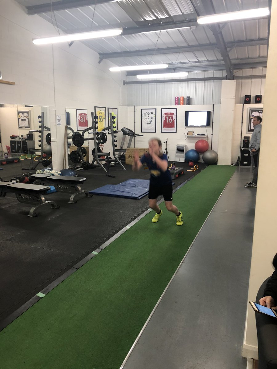 Back with jay @AthleteDiscov on Friday after a break for Xmas...no football or Futsal this weekend so got made to work harder#strengthtraining <br>http://pic.twitter.com/xze93y7kDe