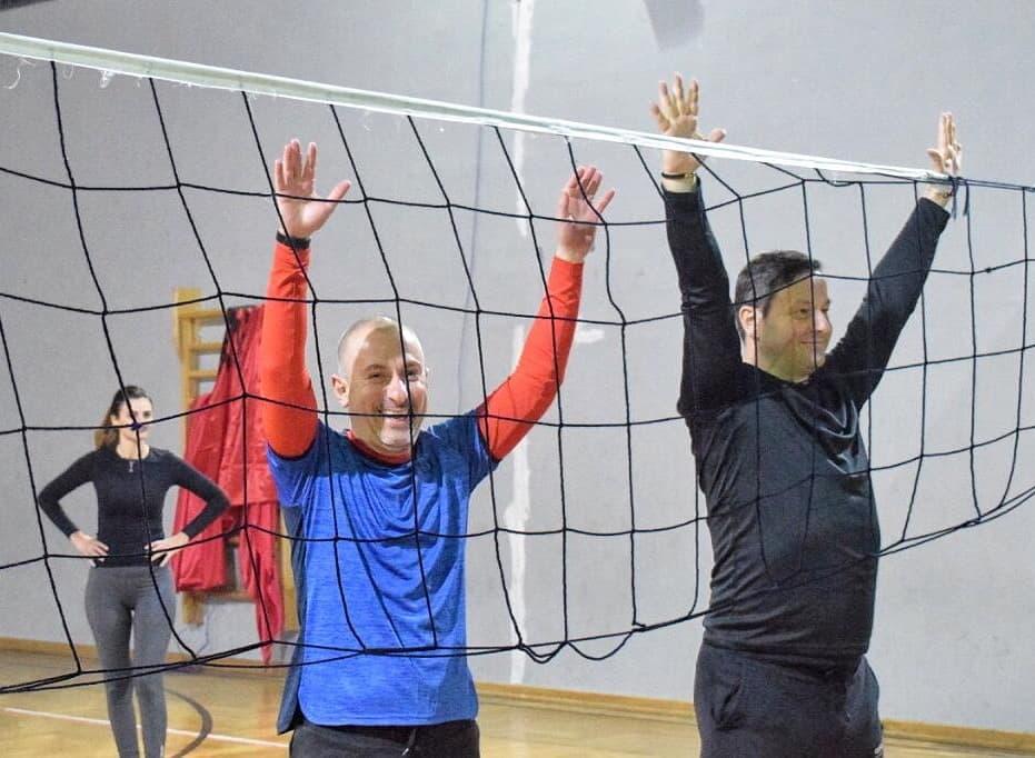 Fundjava Volley 🏐#PSTiranë: Sfidë e vështirë përballë #Njësia8 #Bashkë në orët e Punës & Rigjenerimit🔋# TiranaPS #PS2021 #GjejeKushFitoi #Sportivë #Aktivë