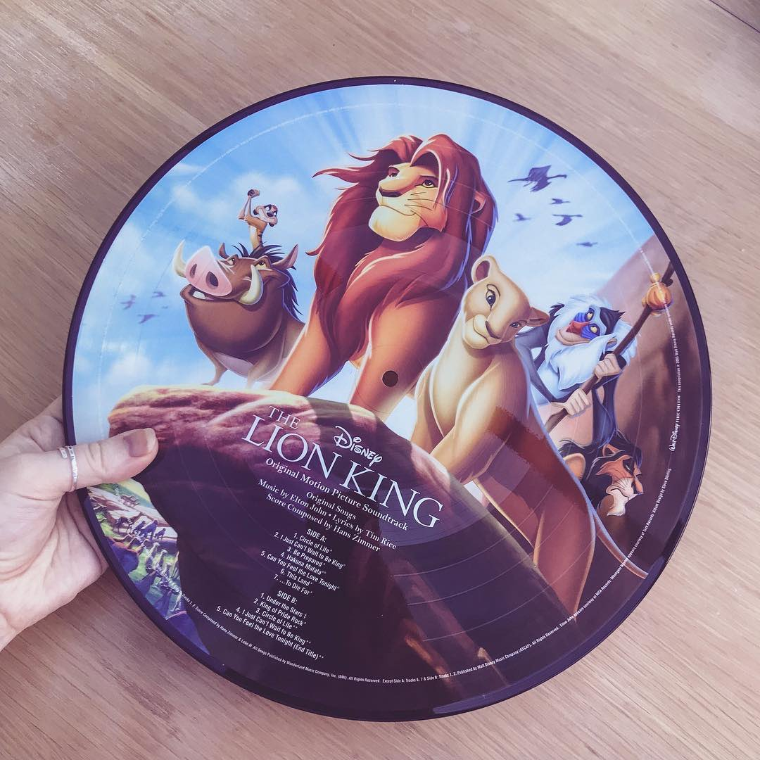 Hakuna Matata! What a wonderful phrase! Hakuna Matata! Ain't no passin'...  Can you finish this lyric from #TheLionKing?  (: mainstreetandmouseears) <br>http://pic.twitter.com/YUOgP0UKOc