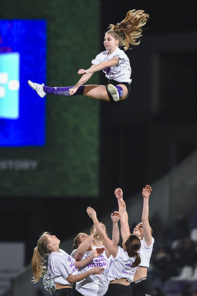 LE SHOW DES CHEERLEADEERS DU BEERSCHOT #cheerleading #cheer #cheerleader #cheerleaders #tumbling #gymnastics #allstarcheer #cheerstunts   #cheerlife #stunting #cheerathletics #cheersport #cheerbows #sport #worlds #explorepage #allstarcheerleading  #cheerleadingworlds #fitnesspic.twitter.com/HREzAW6UYn