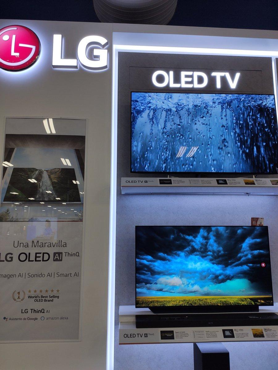 Sin duda @LGMexico trae unas pantallas increíbles , me dejó sorprendida con sus desarrollos mostrados durante #CES2020 #LGCES2020MX  Ya ando convenciendo a mi novio de comprar una pic.twitter.com/x3jhrmBhka