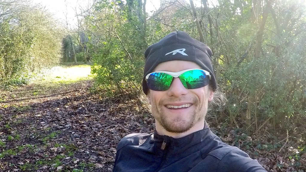 Great end to my running week in the afternoon sun. 4.5 miles of muddy cross country running.  Thankfully showers have been invented.   44 miles covered in 5 hours, 16.5 mins for week 3 of my serious training for @MK_Marathon. #marathon #247running @UKRunChat #UKRunChatpic.twitter.com/ytjl1sxV5H