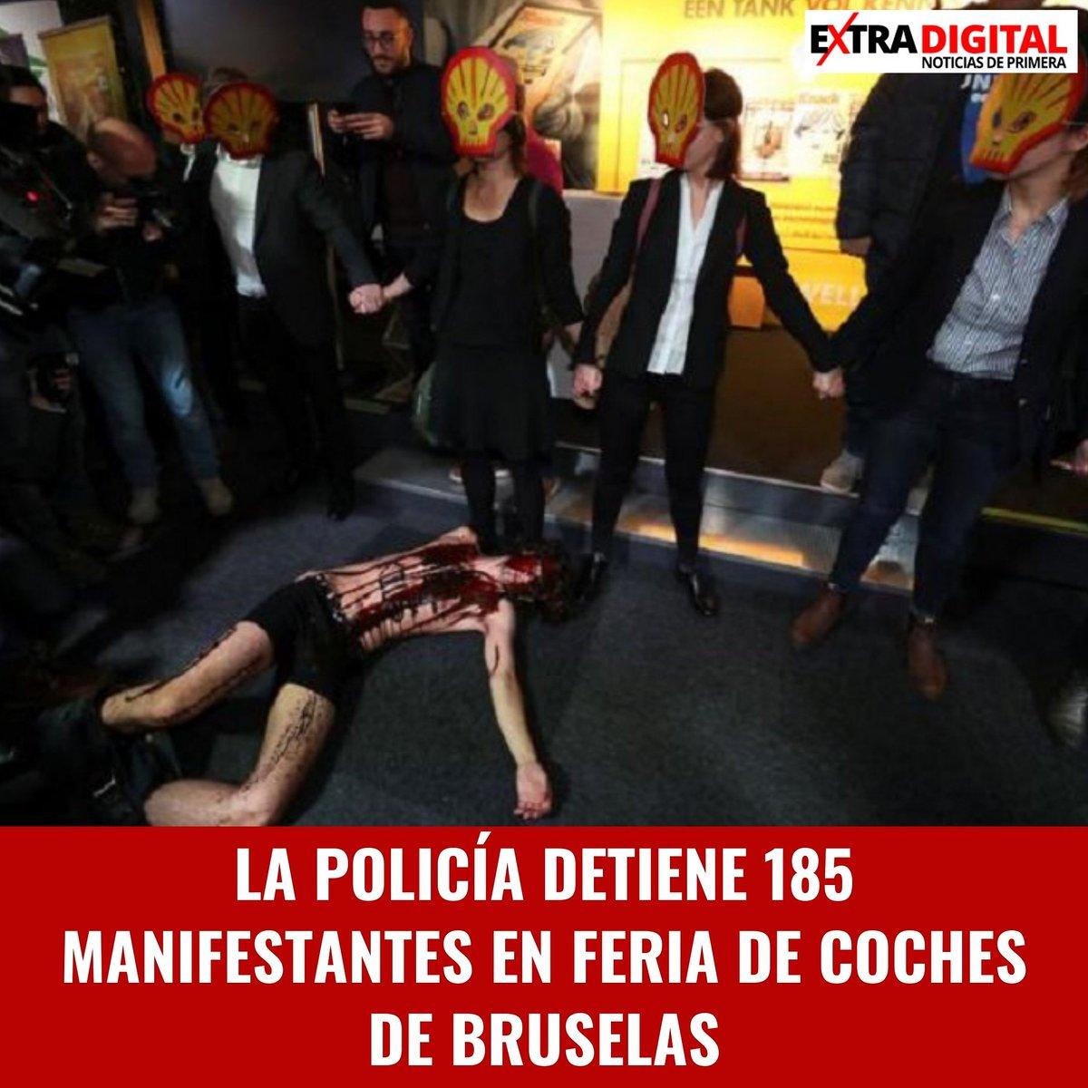 La policía detuvo a 185 manifestantes en el centro de Bruselas el sábado durante las protestas del movimiento ambientalista Extinction Rebellion en la feria de automóviles Motor Show Brussels 2020 para denunciar el pape  ... Para más información, visitanos http://www.extradigital.com.dopic.twitter.com/5dzeQAR4Ki