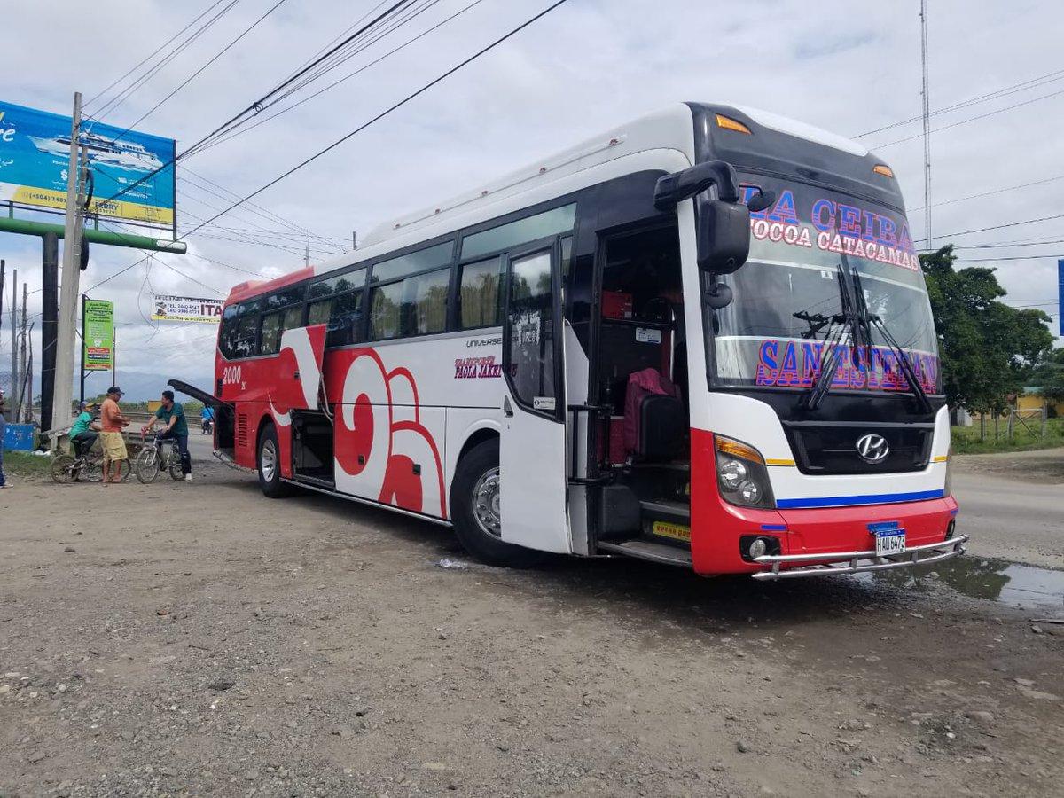 #Tiroteado Un autobús de la ruta #Catacamas,#Ceiba,#Tocoa fue tiroteado reportes preliminares establecen que hay personas heridas.