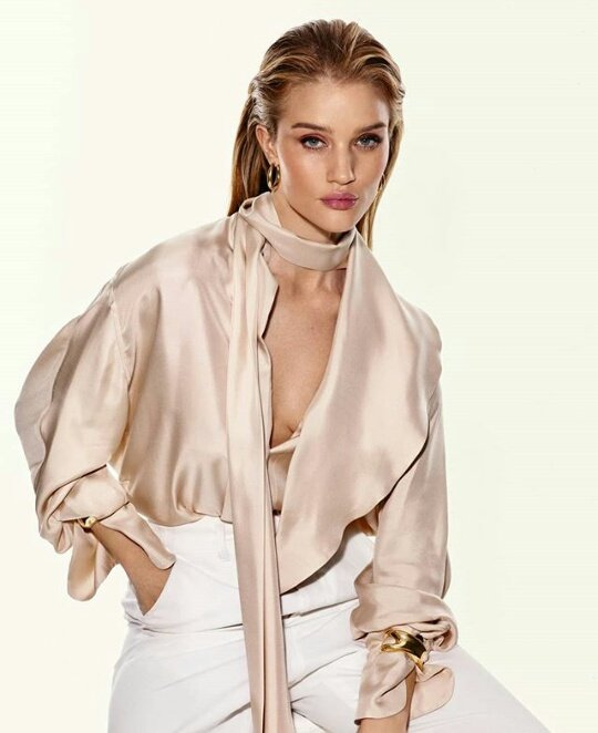 Rosie for The Sunday Times Style.  2/2   #RosieHW pic.twitter.com/d7HY7vvg0y