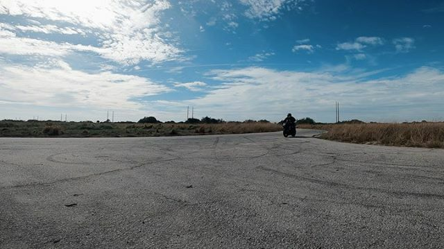 Using that new @gopro #hero8 #goprophotography with @savage_stunts !!! #slowmo #drifting  #motorcycle #motorcyclestunts https://ift.tt/38nj7Mapic.twitter.com/ZibHxgeB5s