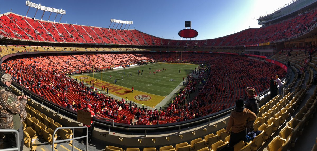 It's about to go down @Chiefs @ArrowheadEvents inside 1 hour to kickoff...view from my seat!!! Ran into several fans of #MightyMouse @MarkMcMillian29 #LegendLives 💪🏽💪🏽💪🏽 https://t.co/qijs3DJby4