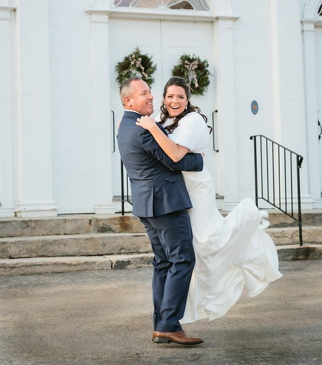 Ct. Wedding Photography / Della Bella Photography / North Congregational Church Della Bella Photography specializes in capturing those special spontaneous portraits! #theknot #weddingwire #northcongregationalchurch #ctweddingphotographer #bestweddingphot… https://ift.tt/2RALmA0pic.twitter.com/H2MOsiLgTC
