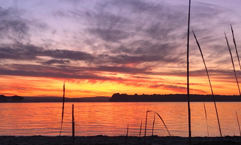 Stunning sunset. Sandbanks, Poole. Saturday. <br>http://pic.twitter.com/WpPteB9Zbn